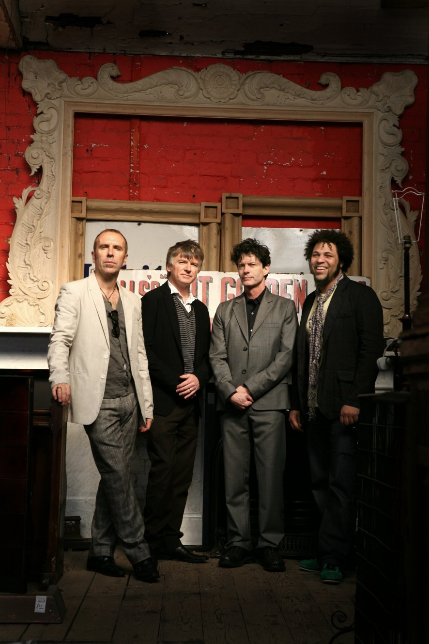 Pochette It's Only Natural Crowded House